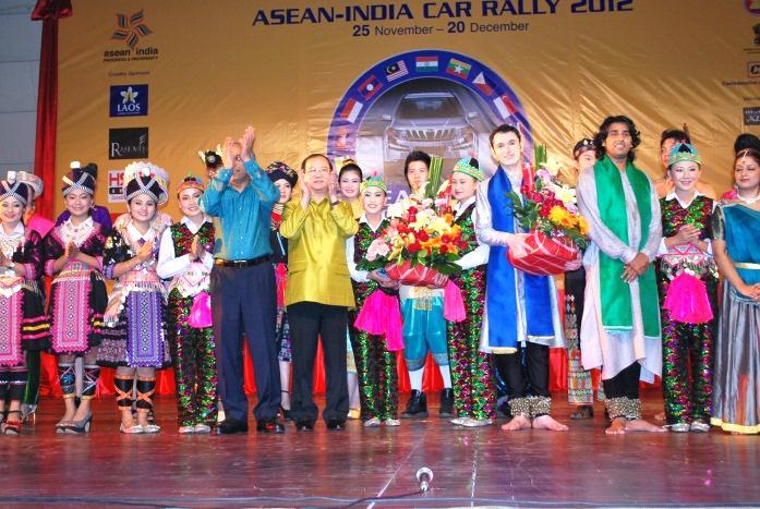 H.E. Professor Dr. Bosengkham VONGDARA, Tourism Minister, Lao PDR and H.E. C. Gururaj Rao, Ambassador of India to Lao PDR with cultural troupe